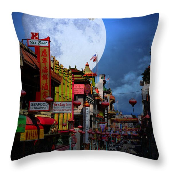 The Great White Egret of Chinatown . 7D7172 Throw Pillow by Wingsdomain Art and Photography