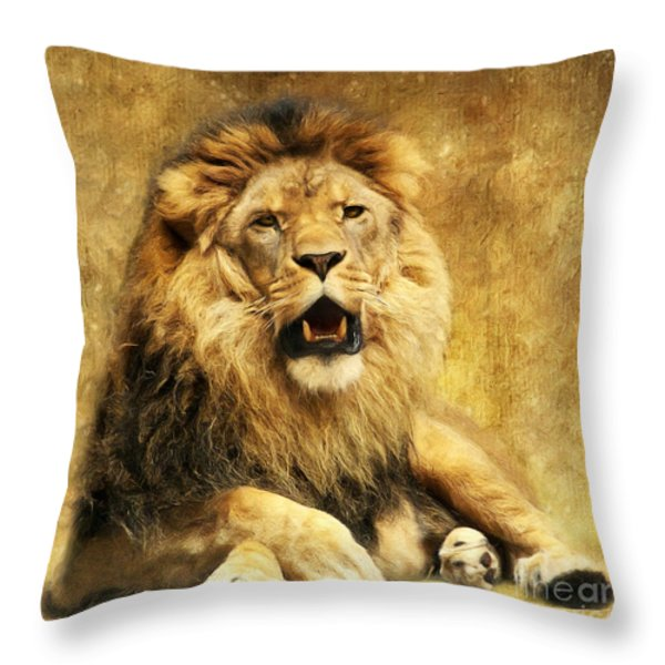 The King Throw Pillow by Angela Doelling AD DESIGN Photo and PhotoArt