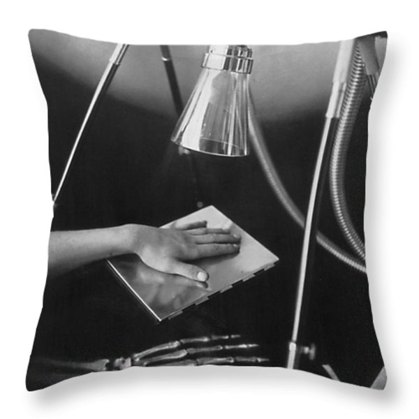 The Marvels Of Metalix 1930 Throw Pillow by Science Source