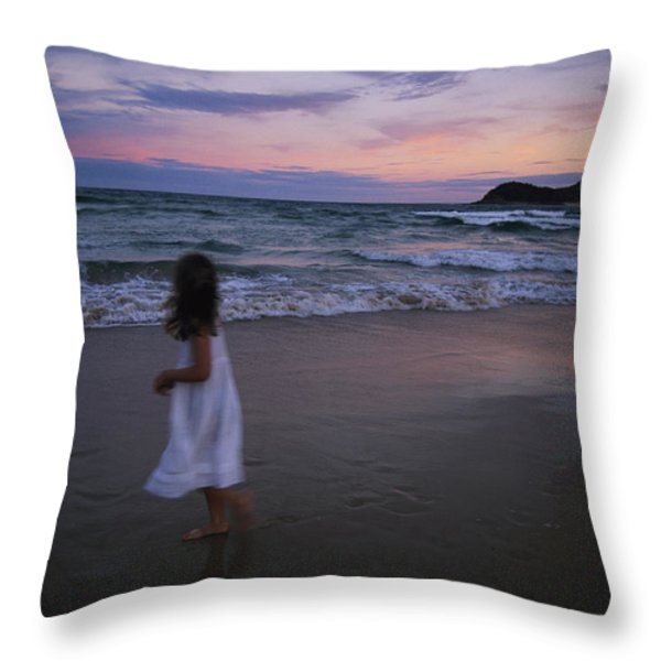 The Sun Begins To Set Over Manley Throw Pillow by Annie Griffiths