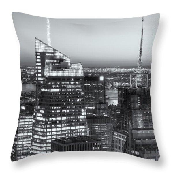 Top Of The Rock Twilight Vii Throw Pillow by Clarence Holmes