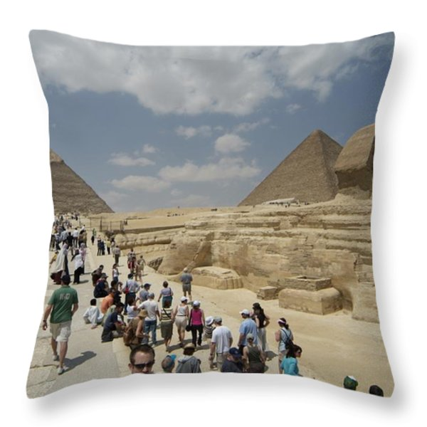 Tourists View The Great Sphinx Throw Pillow by Richard Nowitz