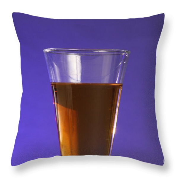Vinegar & Baking Soda Experiment, 1 Or 3 Throw Pillow by Photo Researchers, Inc.