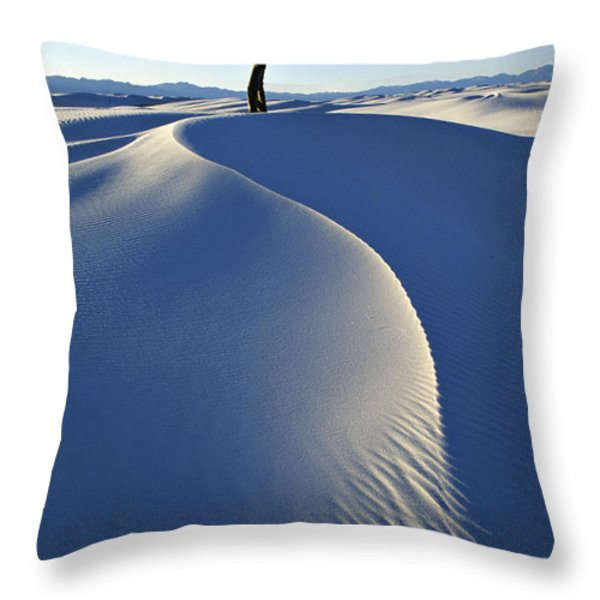 White Sands National Monument, Nm Usa Throw Pillow by Dawn Kish