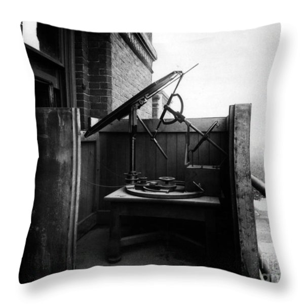 Woodwards Photomicrography Apparatus Throw Pillow by Science Source