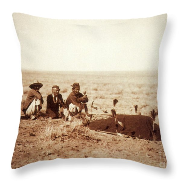 Yebichai Sweat, 1905 Throw Pillow by Photo Researchers