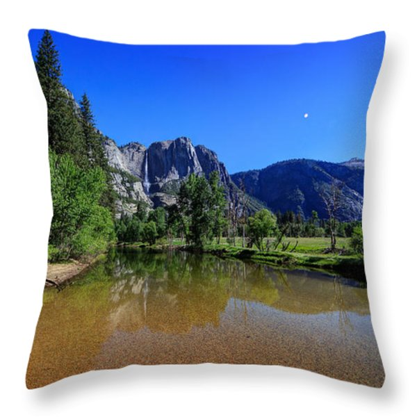 Yosemite Throw Pillow by Everet Regal