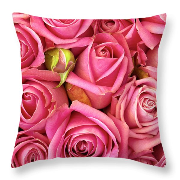 Bed Of Roses Throw Pillow by Carlos Caetano