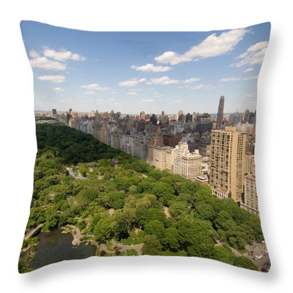 Central Park In New York City Throw Pillow by Joel Sartore