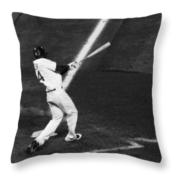 Fielder Fowler Throw Pillow by Marilyn Hunt