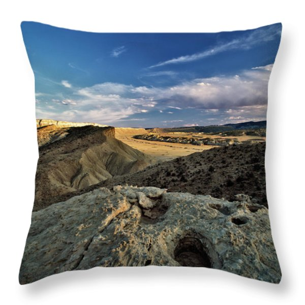 Henry Mountain Wsa Throw Pillow by Leland D Howard