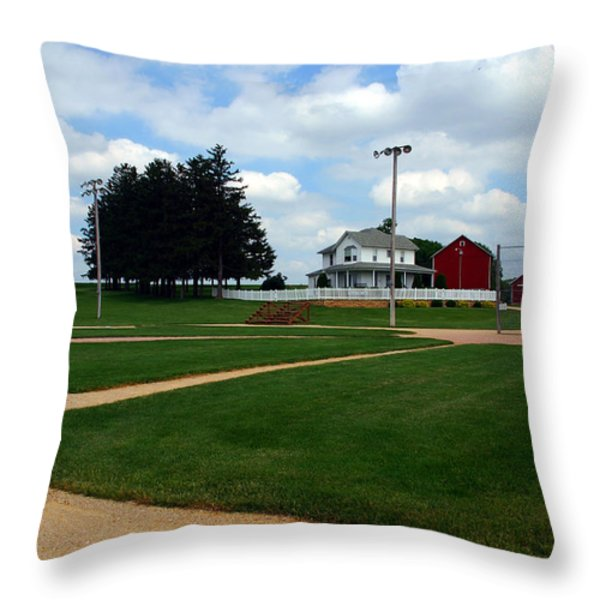 If you build it they will come Throw Pillow by Susanne Van Hulst