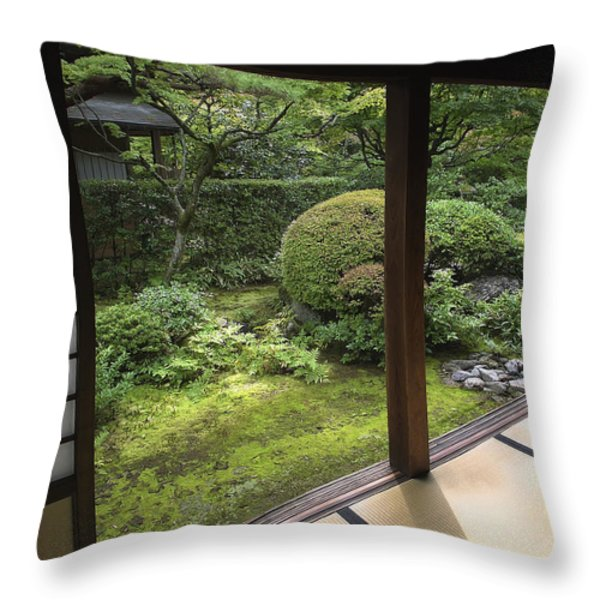 KOTO-IN ZEN TEMPLE SIDE GARDEN - KYOTO JAPAN Throw Pillow by Daniel Hagerman