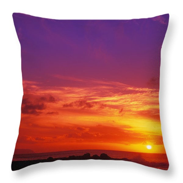 North Shore Sunset Throw Pillow by Vince Cavataio - Printscapes