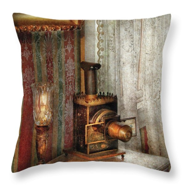 Photographer - The fun starts tonight Throw Pillow by Mike Savad