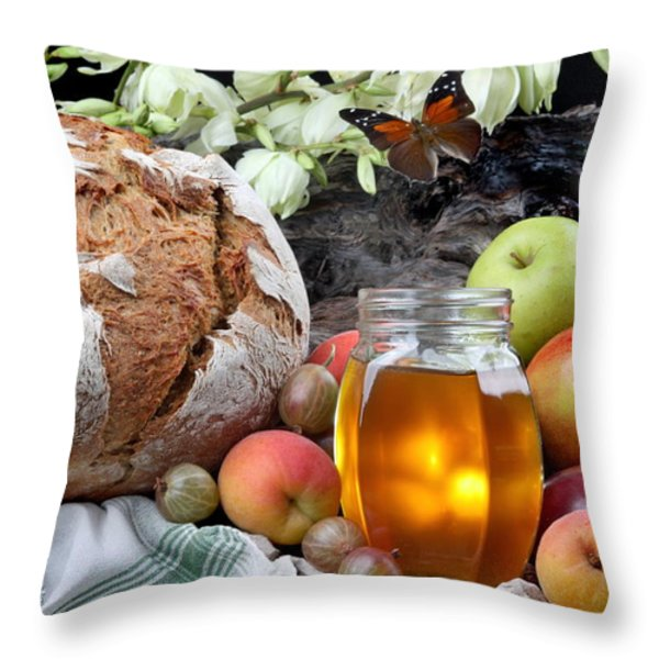 Picnic Throw Pillow by Manfred Lutzius