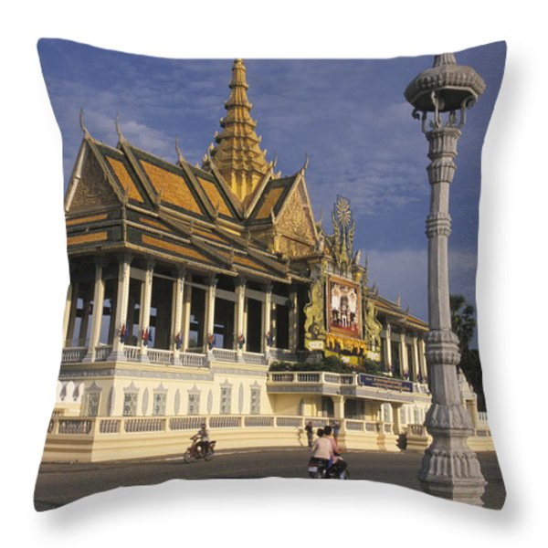 Royal Palaces Exterior Gate Throw Pillow by Richard Nowitz