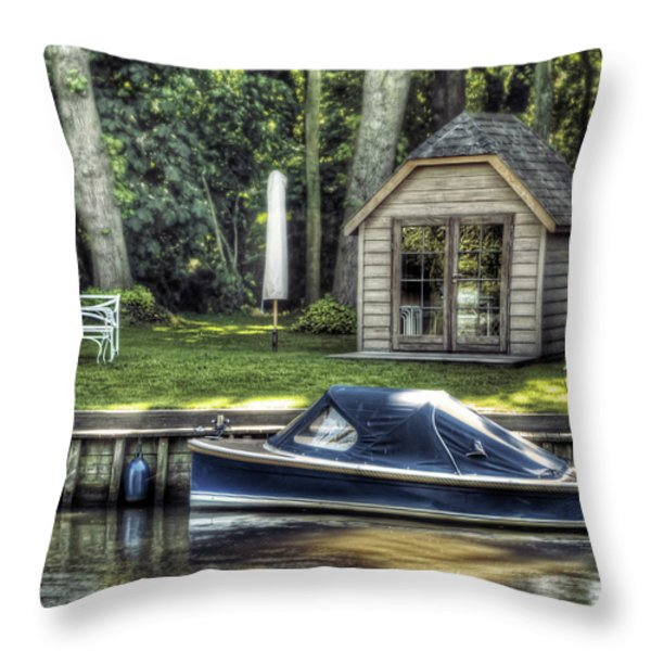Settling Throw Pillow by Wim Lanclus