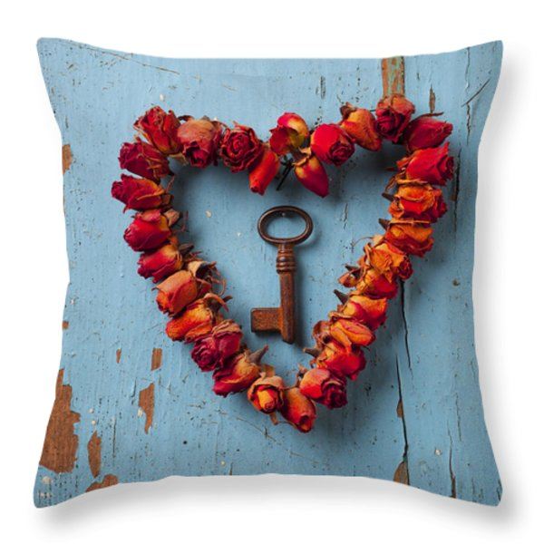 Small Rose Heart Wreath With Key Throw Pillow by Garry Gay