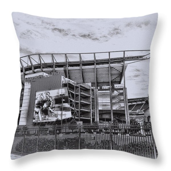 The Linc - Philadelphia Eagles Throw Pillow by Bill Cannon