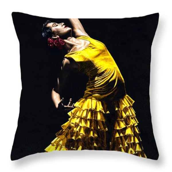 Un Momento Intenso Del Flamenco Throw Pillow by Richard Young