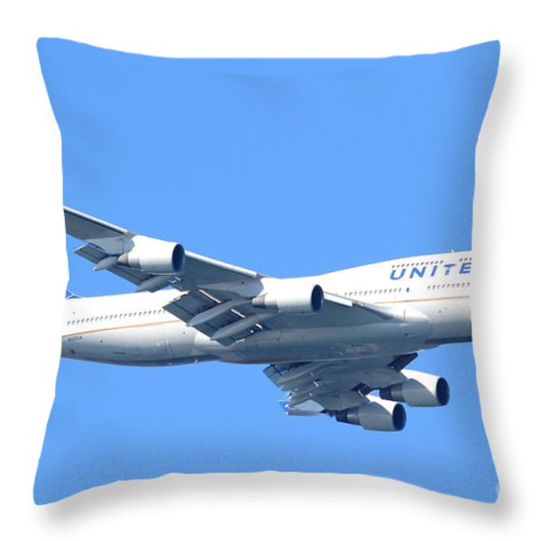 United Airlines Boeing 747 . 7D7852 Throw Pillow by Wingsdomain Art and Photography