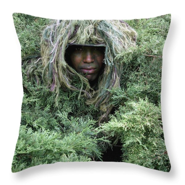 U.s. Army Soldier Demonstrates The Use Throw Pillow by Stocktrek Images