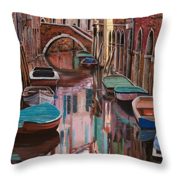 Venezia a colori Throw Pillow by Guido Borelli
