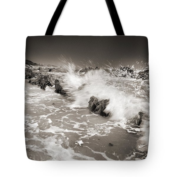 Bolonia waves Tote Bag by Guido Montanes Castillo