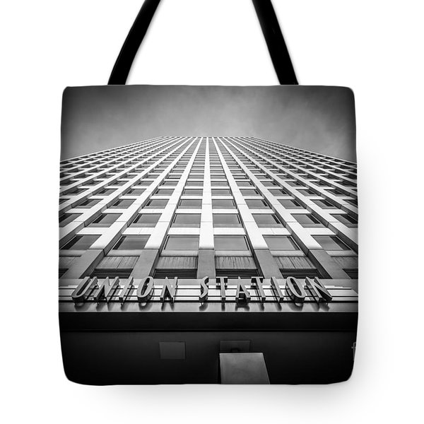Chicago Union Station In Black And White Tote Bag by Paul Velgos
