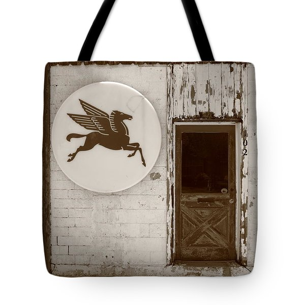Route 66 - Rusty Mobil Station Tote Bag by Frank Romeo
