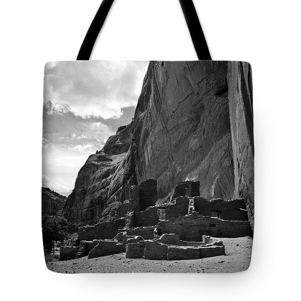 Canyon De Chelly Tote Bag by Steven Ralser