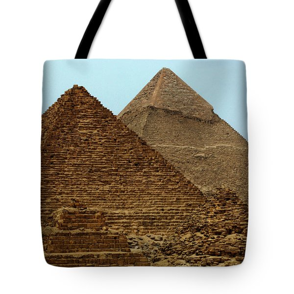 Pyramids At Giza Tote Bag by Bob Christopher
