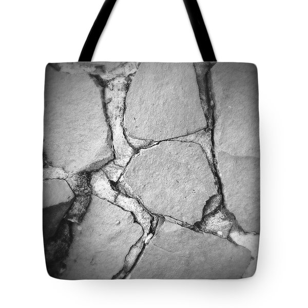 Rock Wall Tote Bag by Les Cunliffe
