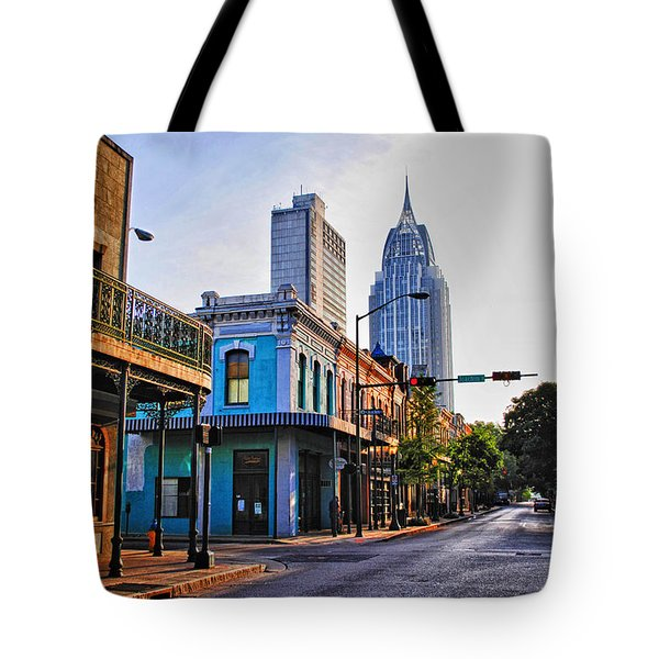 3 Georges Tote Bag by Michael Thomas