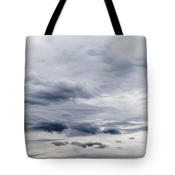 Clouds Tote Bag by Les Cunliffe