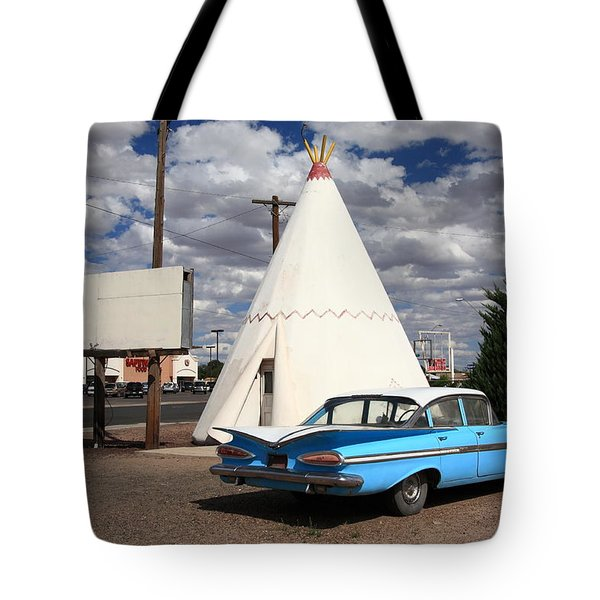 Route 66 - Wigwam Motel Tote Bag by Frank Romeo