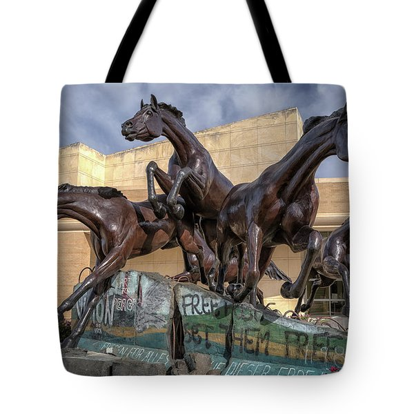 A Monument To Freedom Tote Bag by Joan Carroll