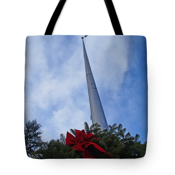 A Wreath For Our Heroes Tote Bag by Mick Anderson