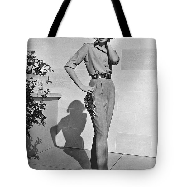 Actress Grace Kelly Tote Bag by Underwood Archives