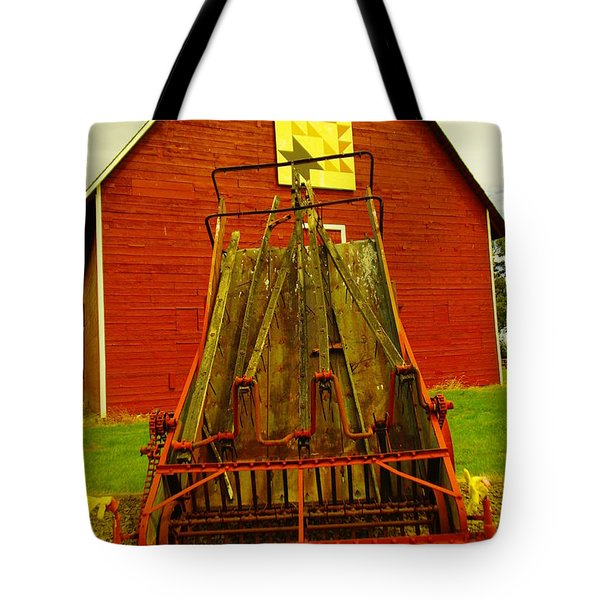 An Old Barn In Kittitas Tote Bag by Jeff Swan