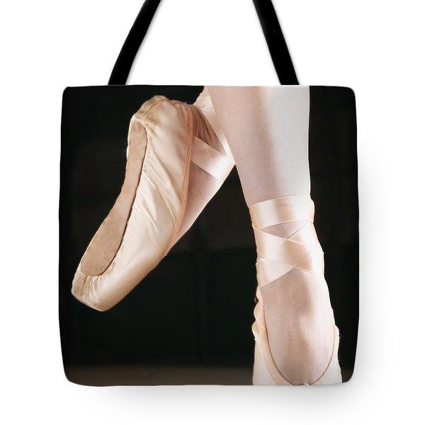 Ballet Dancer En Pointe Tote Bag by Don Hammond
