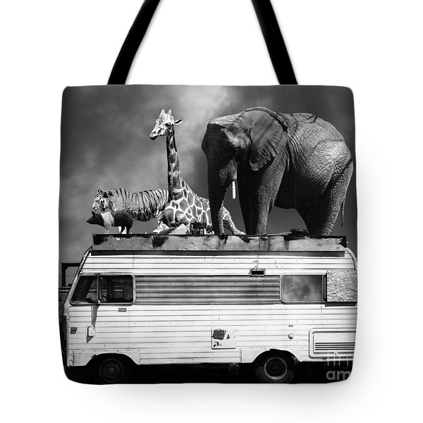 Barnum And Bailey Goes On A Road Trip 5d22705 Black And White Tote Bag by Wingsdomain Art and Photography