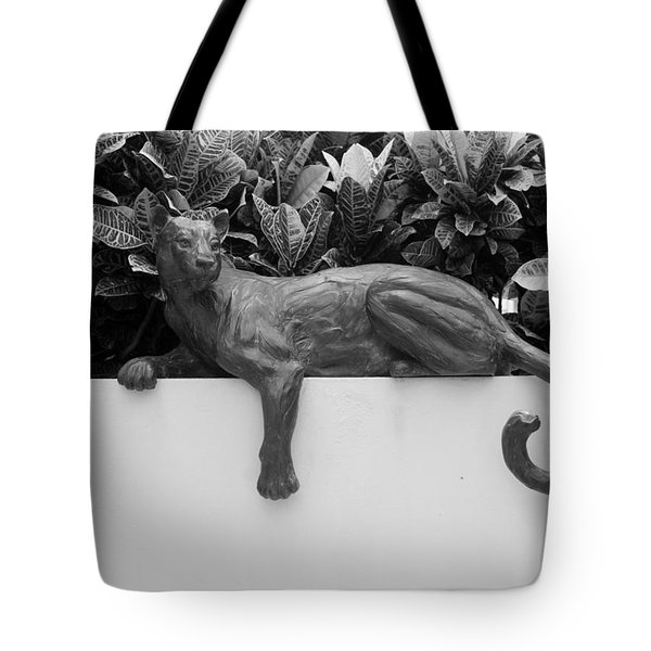 Black And White Cat Tote Bag by Rob Hans