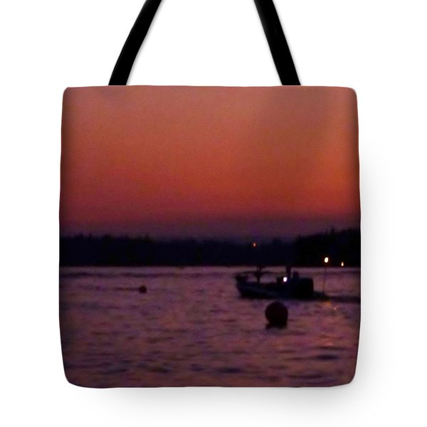 Boaters Red Sky At Night Oregon Tote Bag by Susan Garren