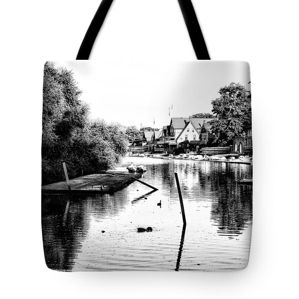 Boathouse Row Lagoon In Black And White Tote Bag by Bill Cannon