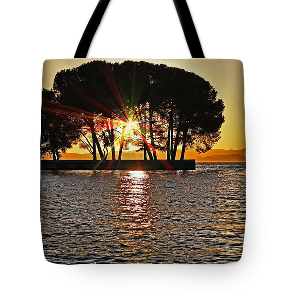 Buckingham Point Sunset 2 Tote Bag by Cheryl Young