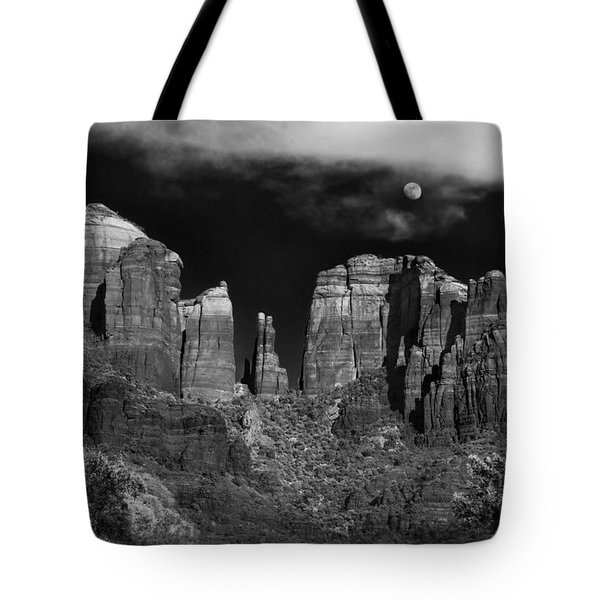 Cathedral Rock Moon Rise Tote Bag by Dave Dilli