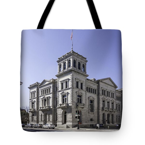 Charleston Post Office And Courthouse Tote Bag by Lynn Palmer