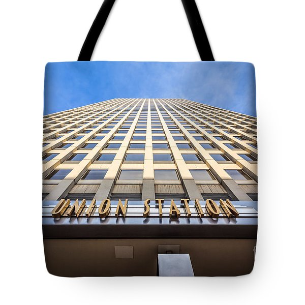 Chicago Union Station Sign And Building Exterior Tote Bag by Paul Velgos
